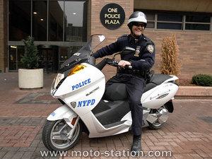 Police_newyork_vectrix_st1pz